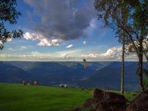 Amis en montagne photos libres de droits