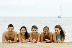 Amis en vacances Photos stock