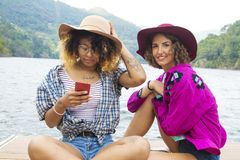Amis en vacances et le voyage Images libres de droits