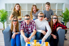 Amis en verres 3D Image stock