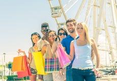 Amis et achats Photo libre de droits