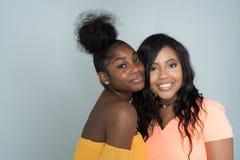 Amis féminins d'Afro-américain Photos libres de droits