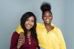 Amis féminins d'Afro-américain Photographie stock libre de droits