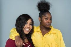 Amis féminins d'Afro-américain Image libre de droits
