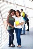 Amis féminins d'université Images libres de droits