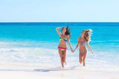 Amis féminins des vacances Photos stock