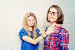 Amis garçon et fille Images libres de droits