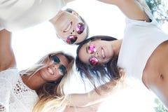 Amis heureux Photo libre de droits