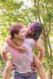 Amis heureux couverts en peinture de poudre Image libre de droits
