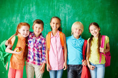 Amis heureux d'école Photo stock
