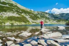 Amis sur la montagne Pirin Photos libres de droits