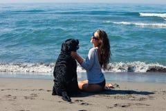Amis sur la plage Photo libre de droits