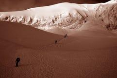 Amis sur le glacier de Chipicalqui près du camp 2 Photo libre de droits