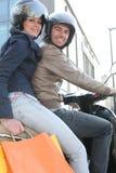 Amis sur un scooter Images libres de droits