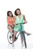 Amis sur un vélo Photographie stock libre de droits
