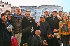 Amis visitant Venise Image stock