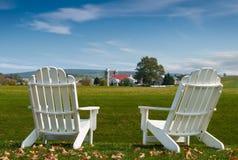 Amische Land Adirondack Stühle Stockfotografie