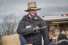 Amish auktionsförrättare på gyttja Sale Royaltyfria Foton