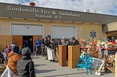 Amish gyttja Sale på brandstationen Arkivfoton