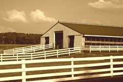 amish ladugård Arkivfoto