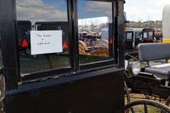 Amish vagn som är till salu på auktion Royaltyfria Foton