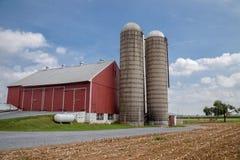 Amishlandbouwbedrijf en schuur in Lancaster, PA Royalty-vrije Stock Fotografie