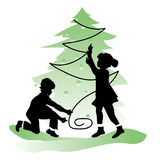 Amistad de los niños Muchacho y muchacha en la Navidad Fotos de archivo libres de regalías