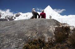 Amitié dans la montagne Images libres de droits