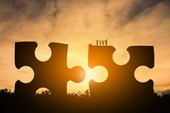 Amitié de famille de silhouette heureuse Image libre de droits