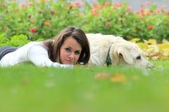 Amitié entre l'homme et le chien Photo libre de droits