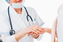 Amitié entre le docteur et le patient Image stock