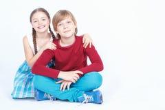 Amitié entre le garçon et la fille Image libre de droits