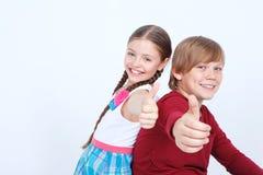 Amitié entre le garçon et la fille Photo libre de droits