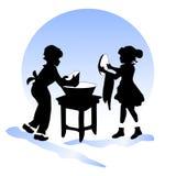 Amizade das crianças Pratos da lavagem do menino e da menina Fotografia de Stock