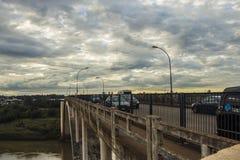 Amizadebrug - de grens van Brazilië en van Paraguay Royalty-vrije Stock Afbeelding