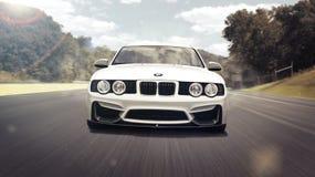 Amman, Jordanië 2 Mei, 2012: gestemd de motieonduidelijk beeld van BMW 520 op 2 Mei, 2012 in amman Stock Afbeelding