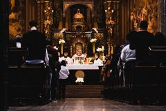 Ammassi alla cattedrale theUrban Nossa Senhora da Consolação, in Sã fotografia stock libera da diritti