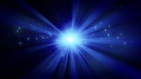 Ammasso stellare luminoso con i raggi blu, ciclo senza cuciture royalty illustrazione gratis