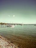 Ammersee bavarois avec des bateaux sur le lac Photos stock
