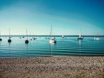 Ammersee bavarois avec des bateaux sur le lac Photos libres de droits