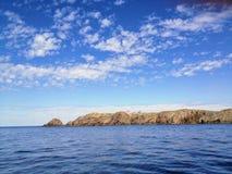 Ammirando le belle viste dell'oceano fuori dalla costa di Bonavista, fotografie stock libere da diritti