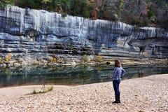 Ammirare i patiti del fiume della Buffalo Fotografia Stock Libera da Diritti