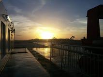 Ammirare l'aumento del sole Fotografia Stock