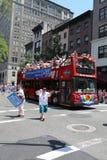 Amnesty International grupuje wymagającą wolność dla Chelsea Obsługuje podczas LGBT dumy parady w Nowy Jork (urodzony Bradley Obs Fotografia Stock