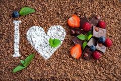 Amo il cioccolato con frutta fresca Fotografia Stock