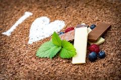 Amo il cioccolato con frutta fresca Fotografia Stock Libera da Diritti