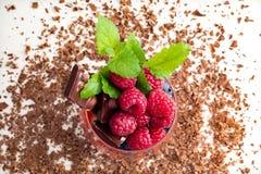 Amo il cioccolato con frutta fresca Fotografie Stock