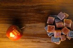 amo la mela di yo u con marmellata d'arance dolce fotografie stock