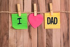 Amo la nota en forma de corazón del papá fotos de archivo