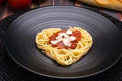 Amo las pastas, corazón de los espaguetis Imágenes de archivo libres de regalías
